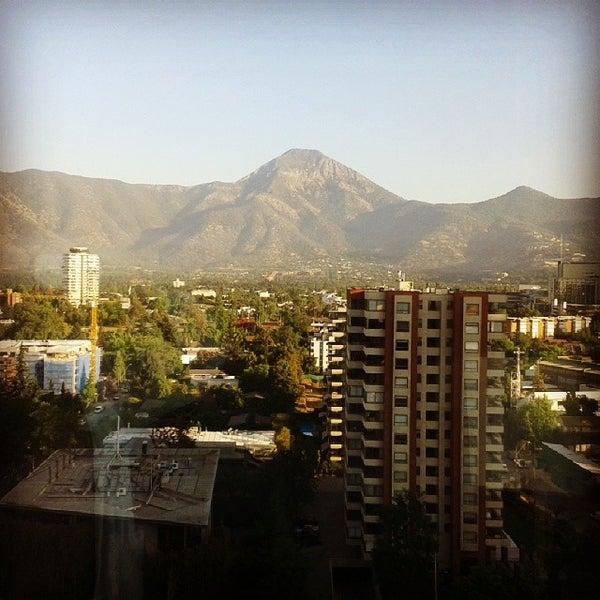 รูปภาพถ่ายที่ Courtyard by Marriott Santiago Las Condes โดย Sergio D. เมื่อ 11/22/2013