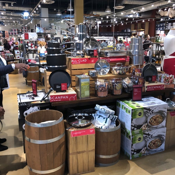 Sur La Table Kitchen Supply Store In The Woodlands