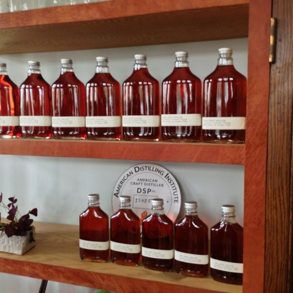 Foto scattata a Kings County Distillery da Dan F. il 5/25/2013