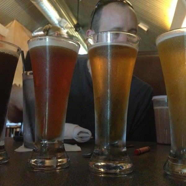 6/22/2013에 Dee T.님이 Outer Banks Brewing Station에서 찍은 사진