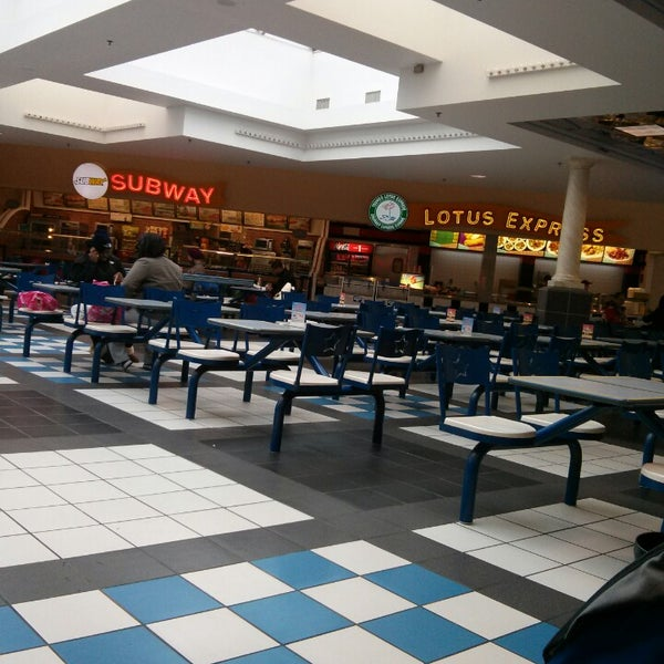 Fashion Outlets Food Court - Niagara Falls, NY