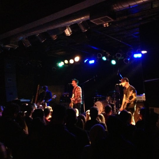 Photo prise au Bottom Lounge par Steven P. le11/9/2012