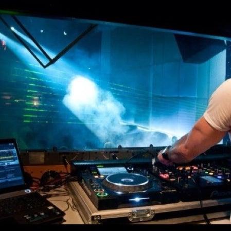 12/1/2012にErman Özeskici (.がD'lux Club Ankaraで撮った写真