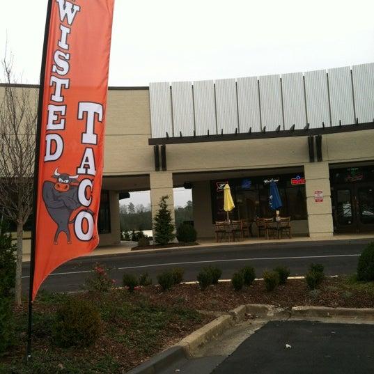 Foto scattata a Twisted Taco da Jihan P. il 12/11/2012