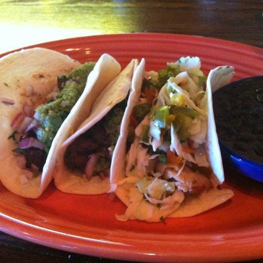 Foto scattata a Twisted Taco da Jihan P. il 11/26/2012