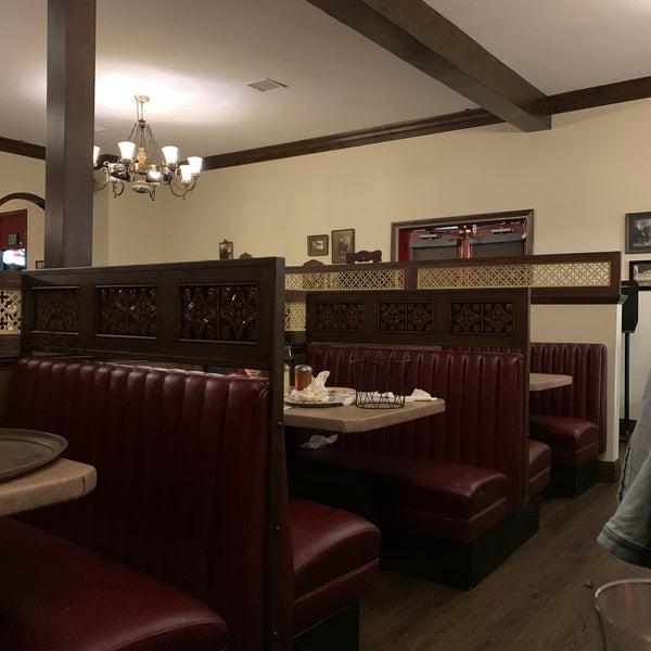 Das Foto wurde bei Mona Lisa Italian Restaurant von Kaan B. am 6/7/2021 aufgenommen