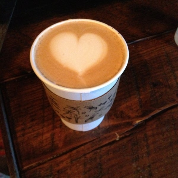 Foto tirada no(a) Bow Truss Coffee por Diana T. em 2/20/2013