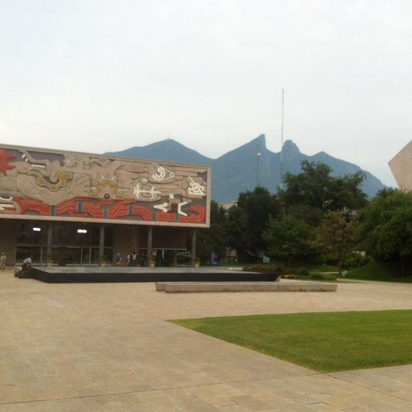 Foto tomada en Tecnológico de Monterrey (Campus Monterrey) por Marco A. M. el 5/19/2013