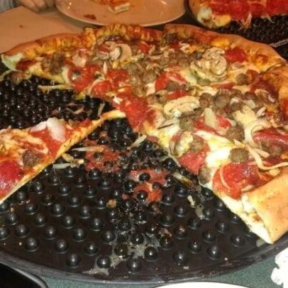 11/25/2012にKaren E.がWoodstock's Pizzaで撮った写真