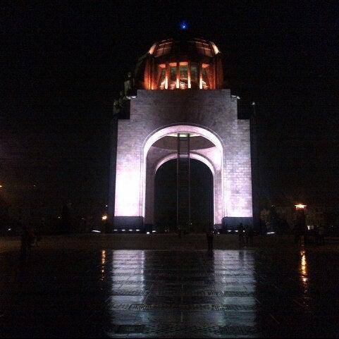 Foto tomada en Monumento a la Revolución Mexicana por Miguel Tenoch M. el 5/10/2013