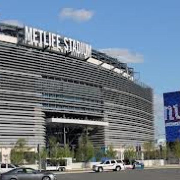 รูปภาพถ่ายที่ MetLife Stadium โดย Julio G. เมื่อ 12/30/2012