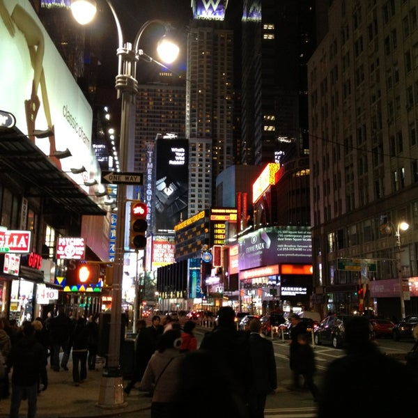 Foto scattata a Carolines on Broadway da RISHA il 3/1/2013