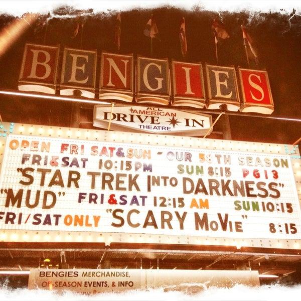 Снимок сделан в Bengies Drive-in Theatre пользователем Kira T. 5/18/2013