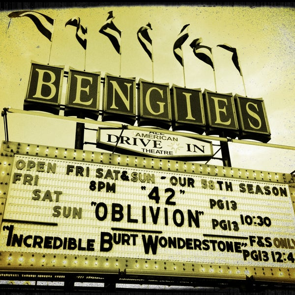 Снимок сделан в Bengies Drive-in Theatre пользователем Kira T. 5/4/2013