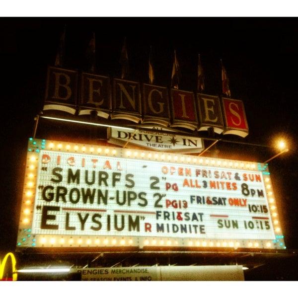Снимок сделан в Bengies Drive-in Theatre пользователем Kira T. 8/11/2013