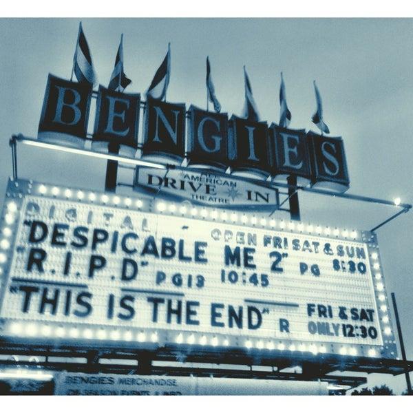 Снимок сделан в Bengies Drive-in Theatre пользователем Kira T. 7/20/2013