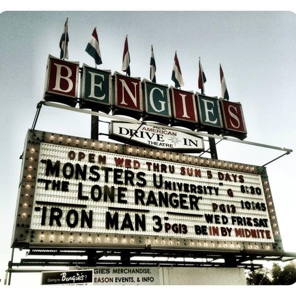 Снимок сделан в Bengies Drive-in Theatre пользователем Kira T. 7/7/2013