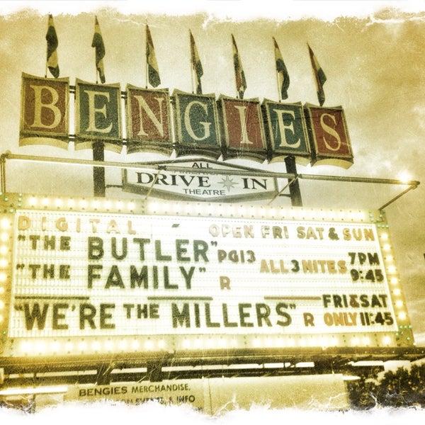 Снимок сделан в Bengies Drive-in Theatre пользователем Kira T. 9/22/2013
