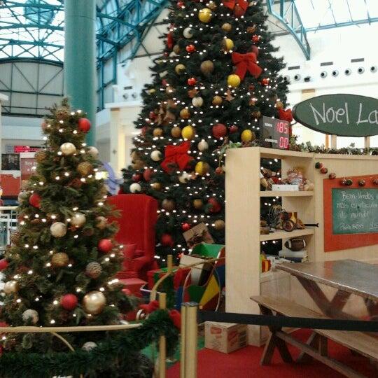 รูปภาพถ่ายที่ Shopping Iguatemi โดย Nilton T. เมื่อ 12/15/2012