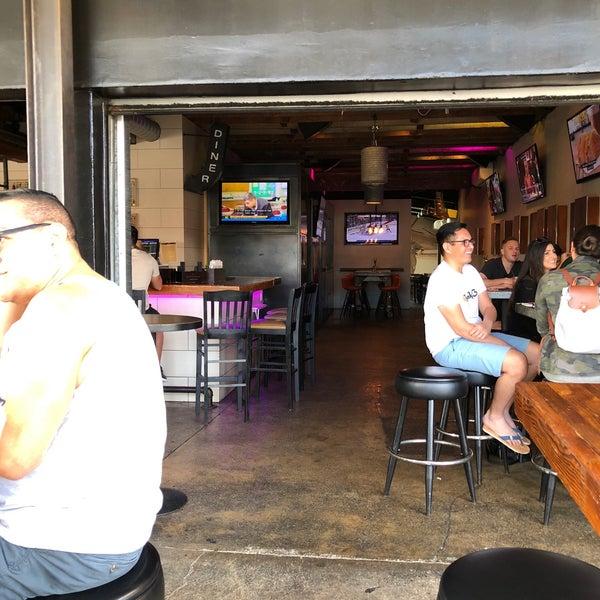 Das Foto wurde bei Uptown Tavern von George C. am 4/8/2018 aufgenommen