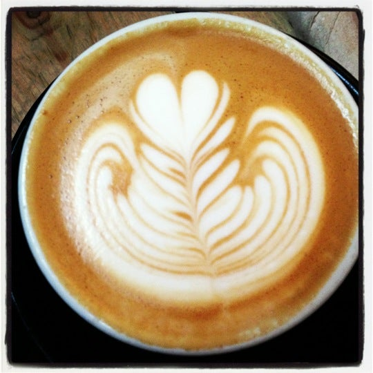 10/29/2012 tarihinde Doro G.ziyaretçi tarafından Kaffeine'de çekilen fotoğraf