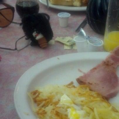 Foto tirada no(a) Rosie's Diner por Dave H. em 10/15/2012