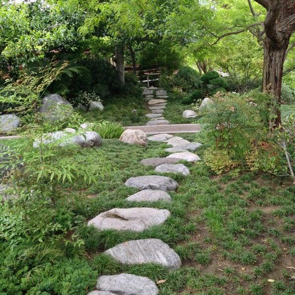 6/8/2013にStephie L.がJapanese Friendship Gardenで撮った写真