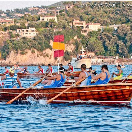 It's almost time for the PALIO MARINARO, historic regatta in Porto Santo Stefano http://maremmablog.com/2015/08/06/palio-marinaro-historic-regatta-in-the-argentario-2/