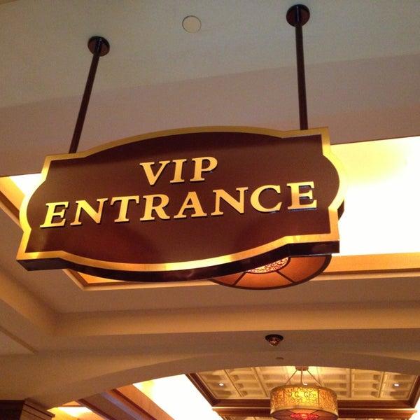 รูปภาพถ่ายที่ Horseshoe Hammond Casino โดย Erinn T. เมื่อ 12/30/2012