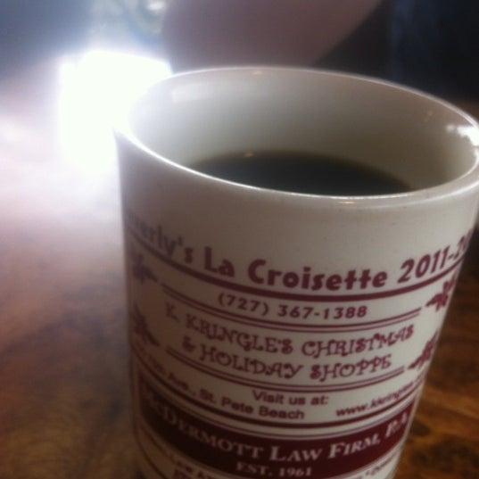 Das Foto wurde bei Beverly's La Croisette von Krystal P. am 12/26/2012 aufgenommen