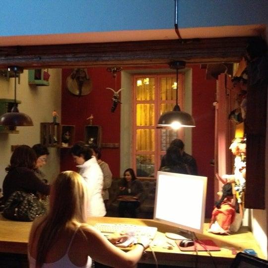 รูปภาพถ่ายที่ La Casona Del Arbol Teatro-Bar & Cocina Show Center โดย Xavier S. เมื่อ 11/3/2012