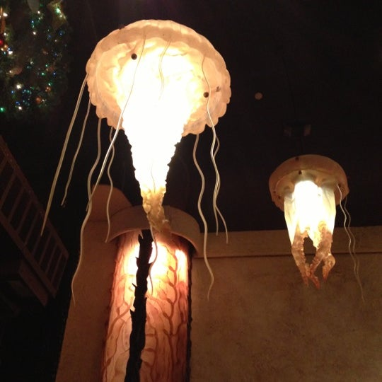 รูปภาพถ่ายที่ Farallon โดย minaron เมื่อ 12/13/2012