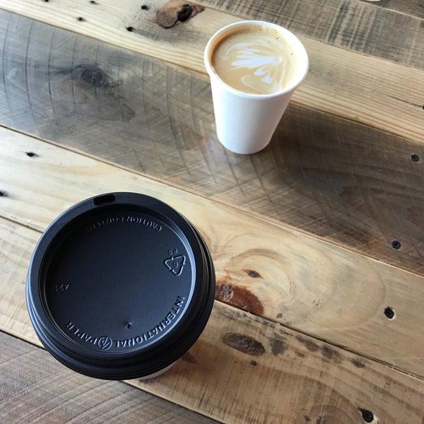 9/12/2017에 Chris L.님이 Sip Coffee & Beer House에서 찍은 사진