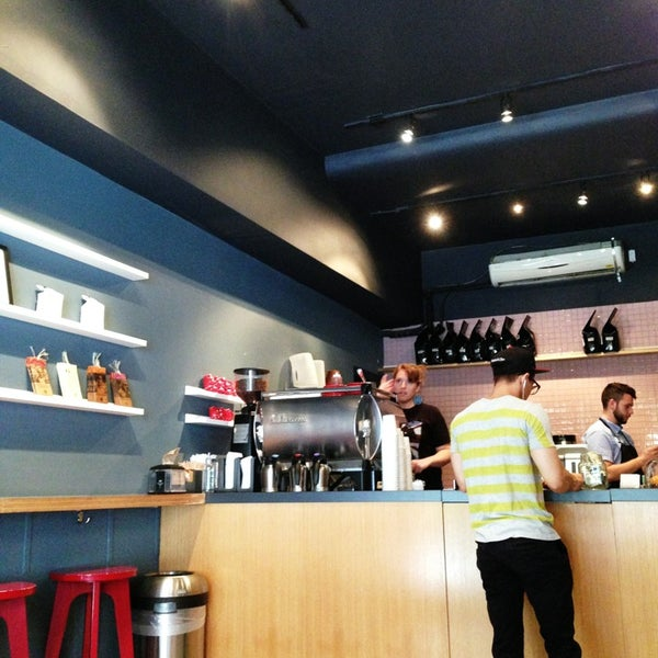Foto tomada en Ports Coffee & Tea Co. por ella g. el 7/11/2013