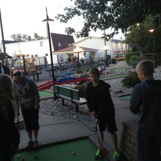 รูปภาพถ่ายที่ Zig-E's Funland โดย Brad E. เมื่อ 9/28/2012