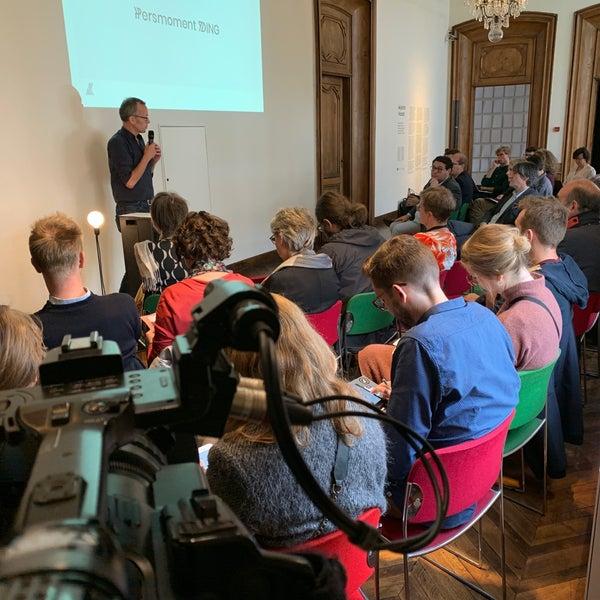 รูปภาพถ่ายที่ Design Museum Gent โดย Hannes D. เมื่อ 10/23/2019