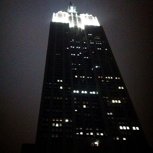 Foto diambil di VU Bar NYC oleh Stephanie A. pada 2/16/2013