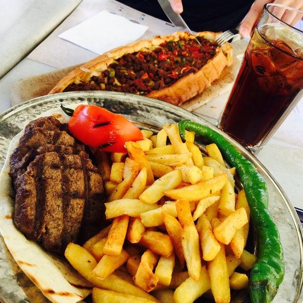 9/7/2017 tarihinde Amin S.ziyaretçi tarafından Mihri Restaurant & Cafe'de çekilen fotoğraf