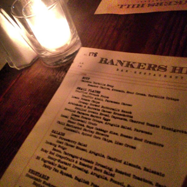 Foto tirada no(a) Bankers Hill Bar & Restaurant por Christopher J. em 5/5/2013