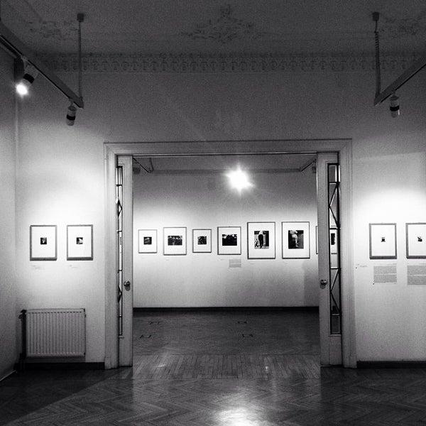 10/5/2013にGaborがMai Manó Gallery and Bookshopで撮った写真