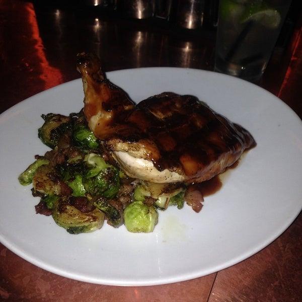 Foto diambil di The Glendon Bar & Kitchen oleh Rashon C. pada 10/20/2014
