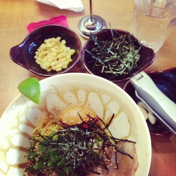 Foto tomada en Tatsu Ramen por Melissa el 12/27/2012