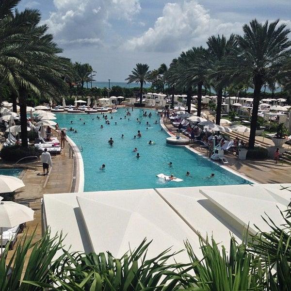 Photo prise au Fontainebleau Miami Beach par J. Alberto P. le7/24/2013
