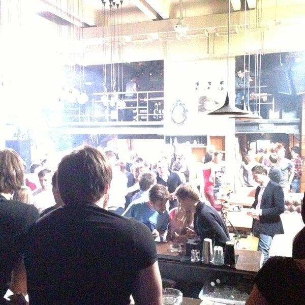 Foto scattata a Moska Bar da Макс Z. il 4/5/2013