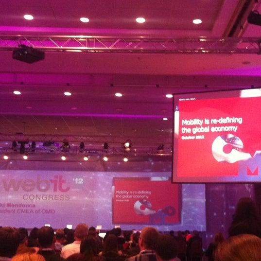Das Foto wurde bei İstanbul Kongre Merkezi von Ozkan K. am 10/11/2012 aufgenommen