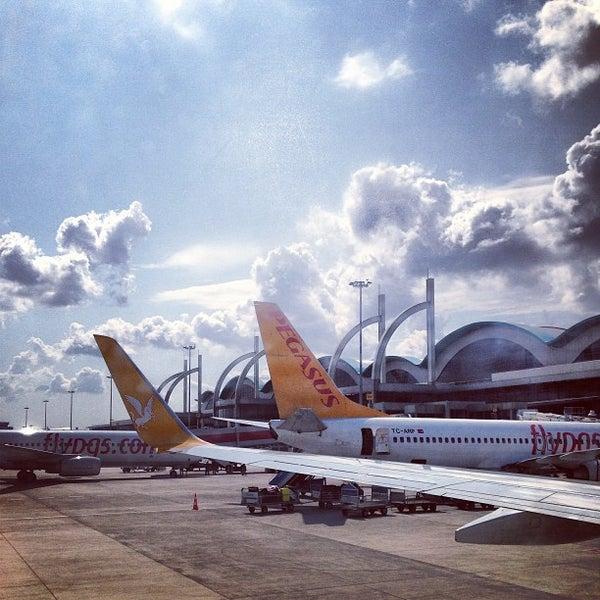 Снимок сделан в Аэропорт Стамбул им. Сабихи Гёкчен (SAW) пользователем Huseyin O. 7/17/2013