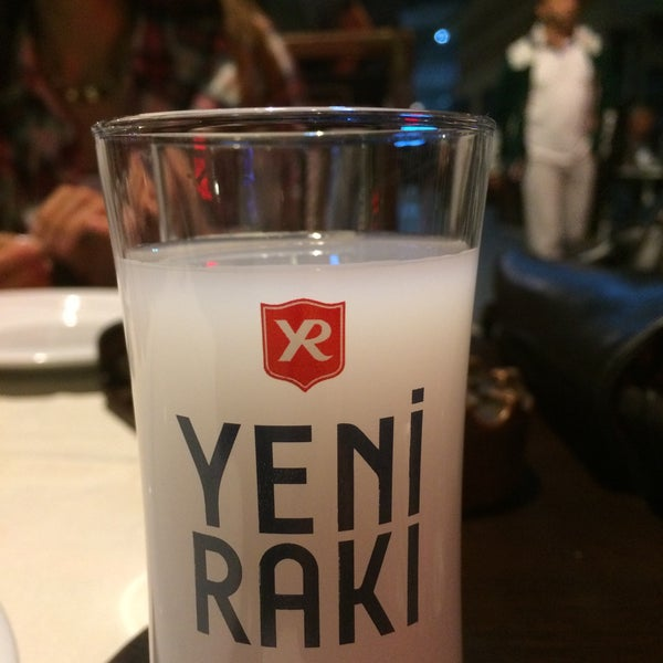 Снимок сделан в Eski Usül Meyhane пользователем özgür ç. 10/9/2015