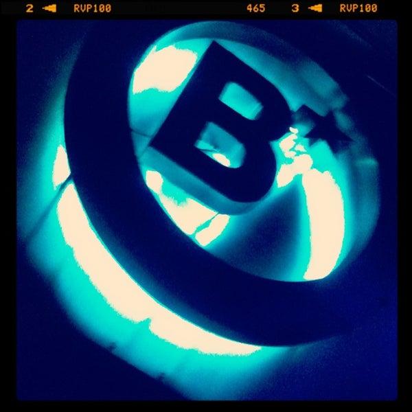 รูปภาพถ่ายที่ BLONDIE โดย Rodrigo M. เมื่อ 2/23/2013