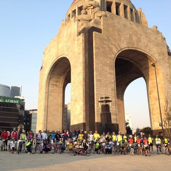 Foto tomada en Monumento a la Revolución Mexicana por Beto A. el 4/21/2013