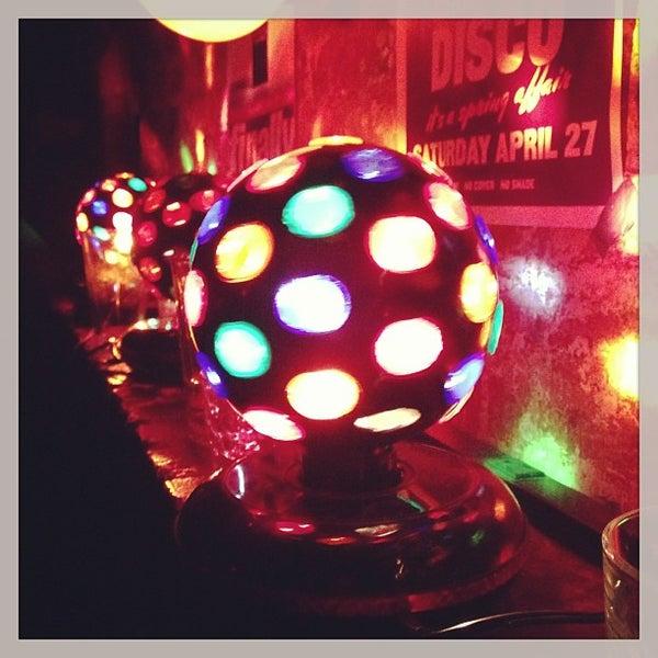 Das Foto wurde bei Nowhere Bar von David F. am 4/28/2013 aufgenommen